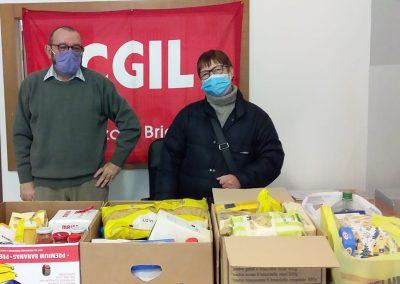 Spesa sospesa e regali di Natale: Anpi, MB United e Cgil Monza e Brianza moltiplicano l'aiuto per le famiglie fragili